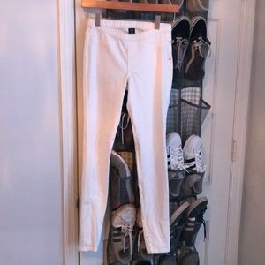 Extra Small Women's HUE White Skinny Jeans